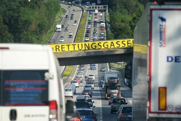 Photo of TÜV SÜD: Fünf Tipps fürs Fahren im Stau