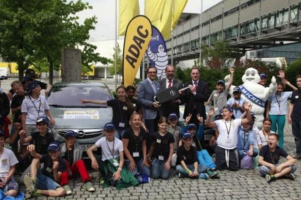"""Photo of Opel Corsa im Dienst der Verkehrssicherheit bei """"Achtung Auto!"""""""