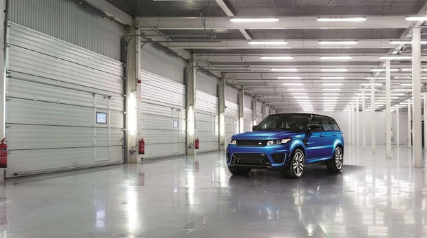 Photo of Range Rover Sport SVR