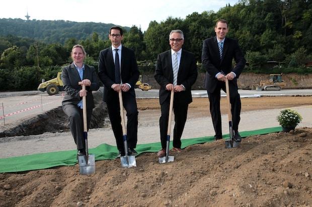 Photo of Spatenstich für neues Volkswagen Nutzfahrzeugzentrum