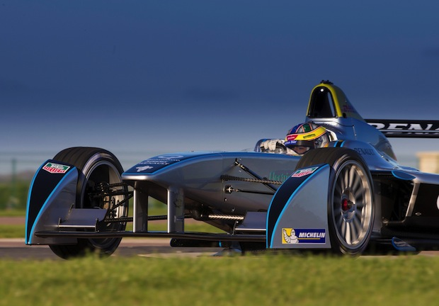 Photo of RENAULT LEITET NEUE MOTORSPORT-ÄRA EIN