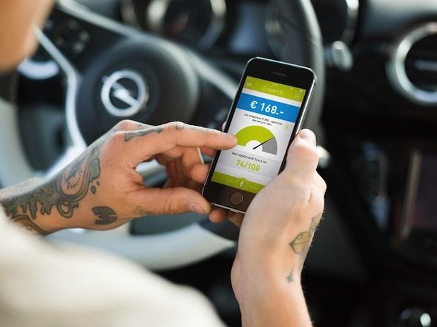 Photo of Neue Kfz-Versicherung mit Smartphone-App belohnt umsichtiges Fahren