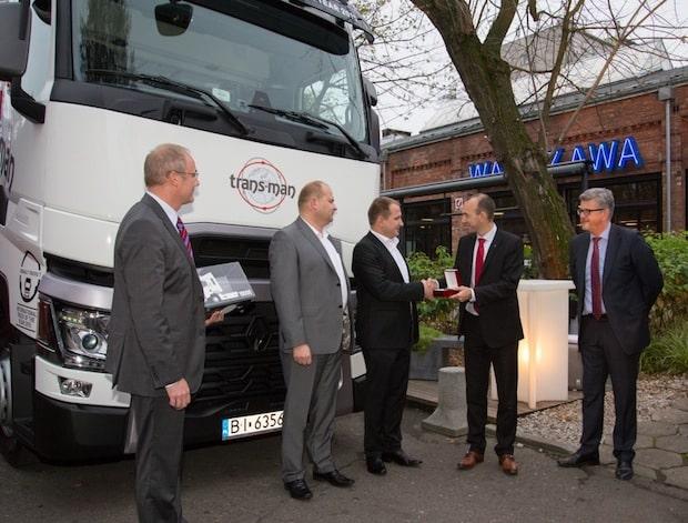 Photo of Den 10.000sten Renault Trucks T erhält das Unternehmen Trans-Man
