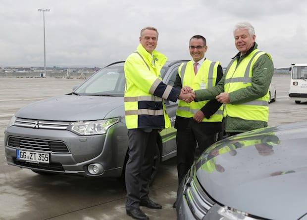 Photo of Fraport AG testet den Plug-in Hybrid Outlander