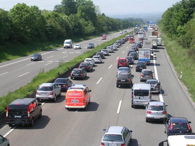 Photo of Weg frei für die Rettungsgasse