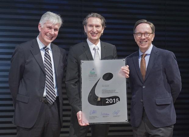 """Photo of Opel gewinnt den begehrten """"VDA Logistik Award 2015"""""""