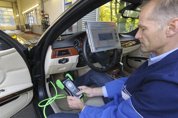 Photo of HU-Adapter: Mehr Sicherheit bei der Prüfung von Assistenzsystemen