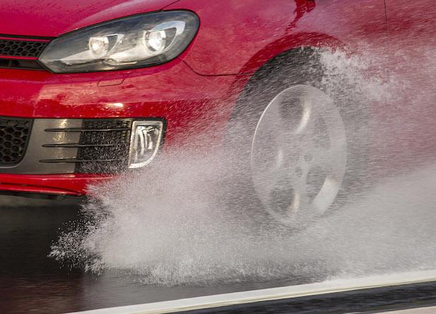 Photo of GTÜ-Servicethema Reifen: Richtiger Luftdruck und ausreichend Profil sind für die Sicherheit entscheidend