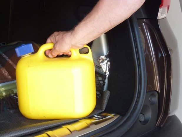 Photo of In manchen Ländern ist Reservekraftstoff generell verboten