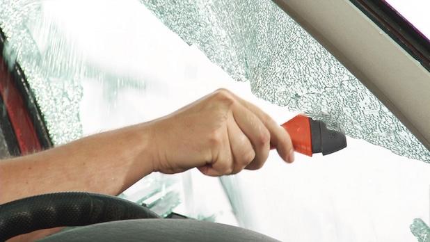 Photo of Eingeschlossen im Unfallwagen