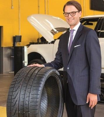 Christian Mühlhäuser, Geschäftsführer der Pneumobil GmbH, freut sich über das sehr positive Kundenfeedback. Foto: Pirelli Deutschland GmbH