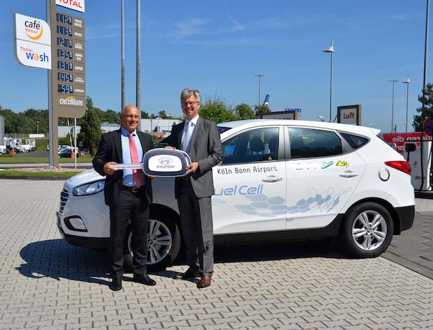 Photo of Flughafen Köln/Bonn setzt Brennstoffzellenfahrzeug Hyundai ix35 ein