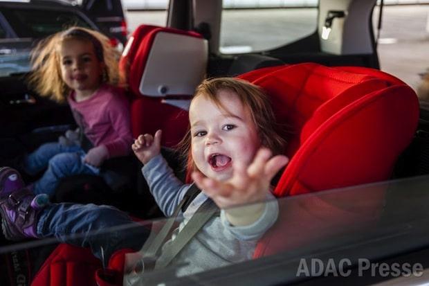 Photo of ADAC-Kindersitztest: Die Mehrheit überzeugt