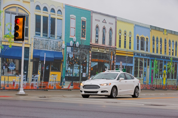 "Photo of Als erster Autohersteller testet Ford autonome Fahrzeuge in ""Mcity"""