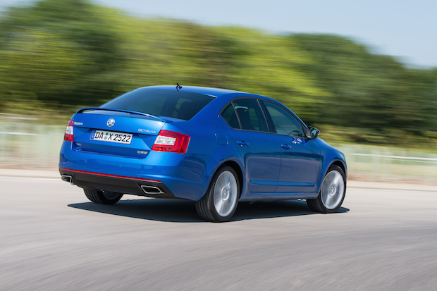Photo of Premiere: SKODA Octavia RS ab sofort mit Allradantrieb bestellbar
