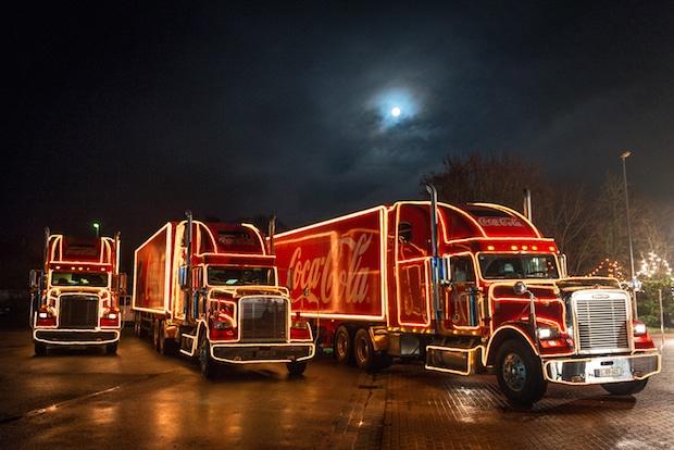 Photo of Überraschung auf der Autobahn: Coca-Cola schenkt Trucker Zeit mit seiner Familie