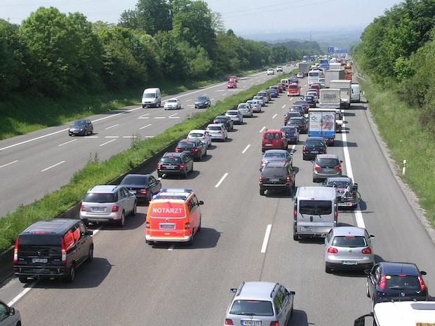 Photo of In Praxisfragen fit, in der Theorie unsicher ADAC fragte Wissen der Autofahrer ab