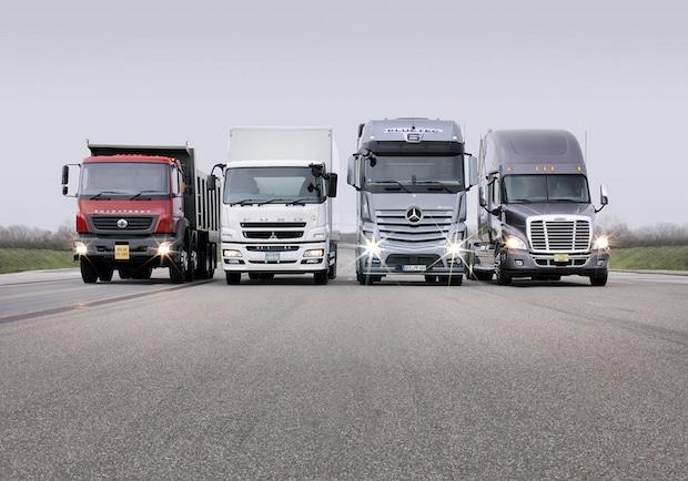 Photo of Daimler Trucks verkauft 2015 weltweit über 500.000 Lkw