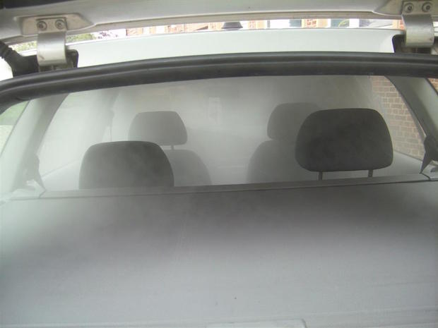 """""""Das Air Clean Fahrzeugdesinfektions-System in Aktion""""  Foto: Air Clean Fahrzeugdesinfektion"""