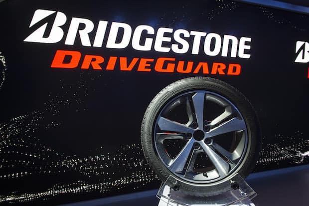 Photo of Bridgestone DriveGuard® revolutioniert die Reifenindustrie mit einem Höchstmaß an Sicherheit für alle Fahrer