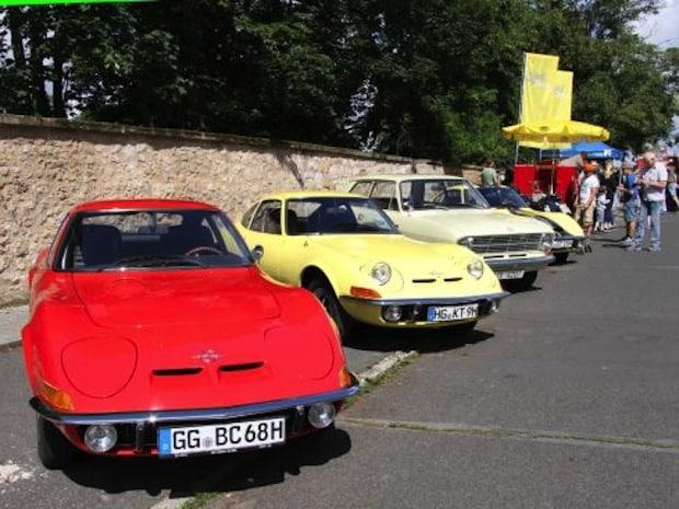 Photo of Viel Flair und feine Oldies: Über 30.000 Besucher beim Klassikertreffen