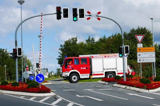 Photo of ADAC: Polizei, Feuerwehr und Rettungsdienste bei dringenden Einsätzen von Straßenverkehrsordnung befreit