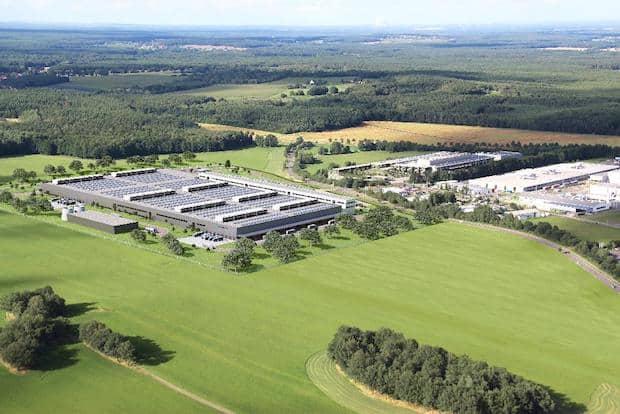 Photo of Daimler baut globalen Produktionsverbund für Lithium-Ionen-Batterien auf