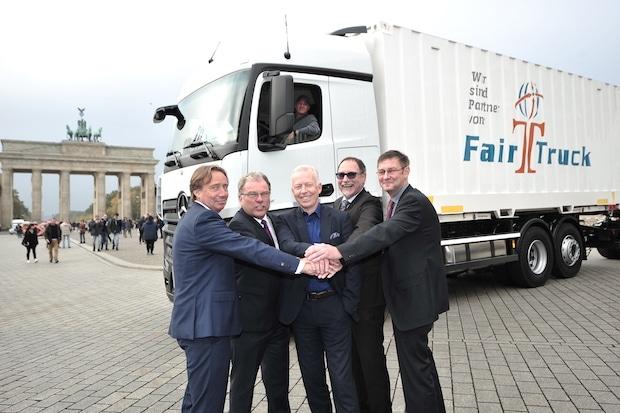 """Photo of """"FairTruck"""": Unternehmen setzen Zeichen für bessere Arbeitsbedingungen von LKW Fahrern in Deutschland"""