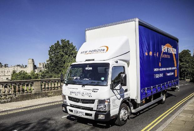 Photo of Effizient und umweltfreundlich: Fuso Canter 7C15 Eco Hybrid überzeugt britischen Logistiker auf ganzer Linie