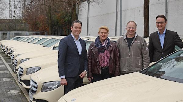Photo of Auf höchstem Standard sicher unterwegs: Taxi Janssen übernimmt 30 E-Klasse T-Modelle
