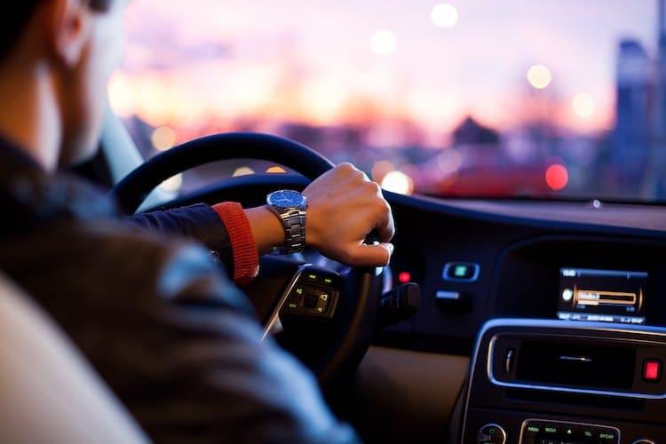 Photo of Gebrauchtwagen-Preise im März weiterhin angestiegen