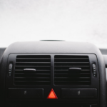 Die Temperaturregelung in modernen Autos übernimmt mittlerweile die moderne Technik.