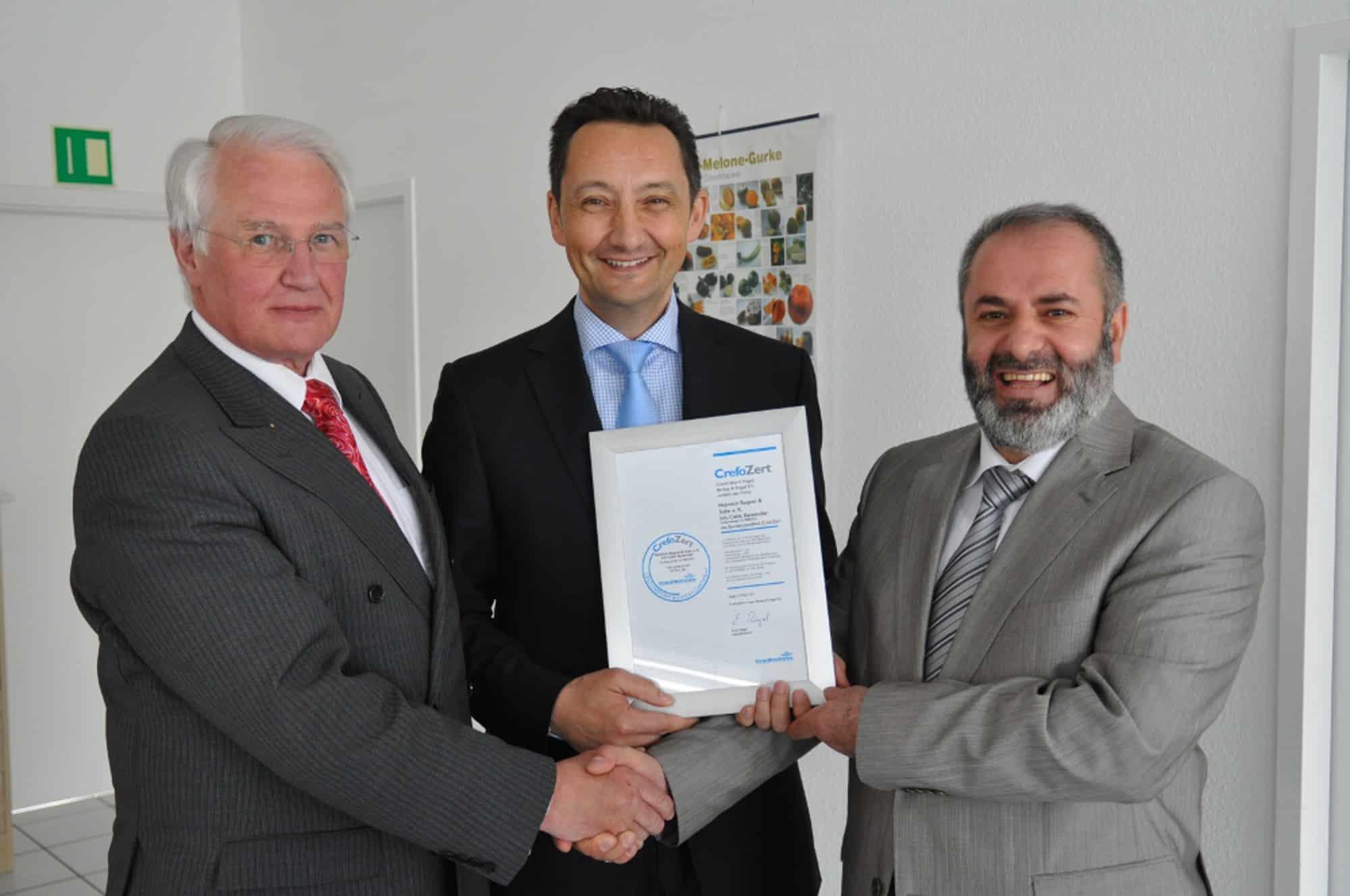 Photo of Creditreform Hagen verleiht Bonitätszertifikat an Unternehmen aus Hagen